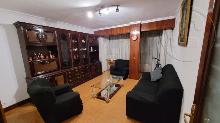 Amplio piso zona Calle Alta con 3 habitaciones